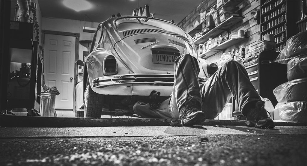 How to find car repair information online?